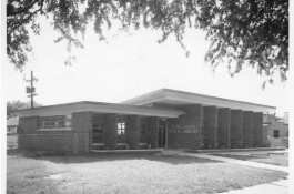 Nora Navra Library and desegregation